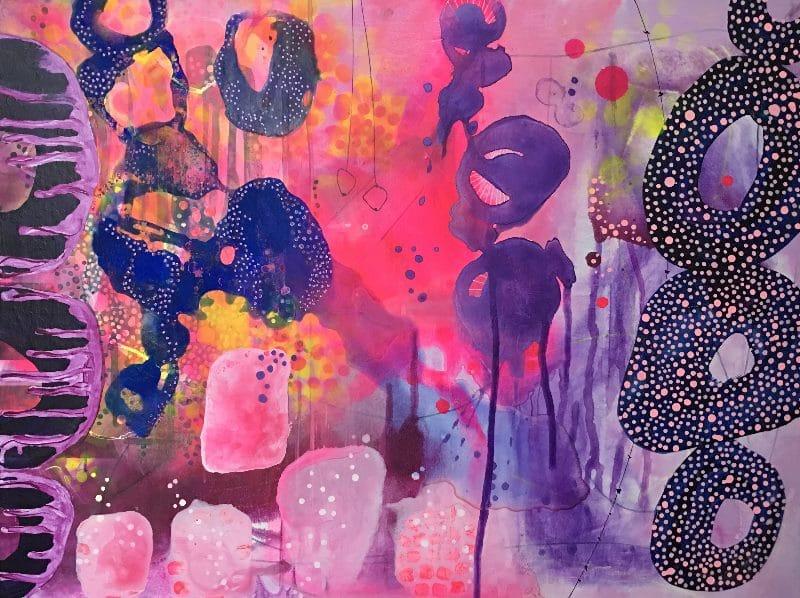 Abstrakt maleri med farverne lyserød, pink, lilla, violet og blå